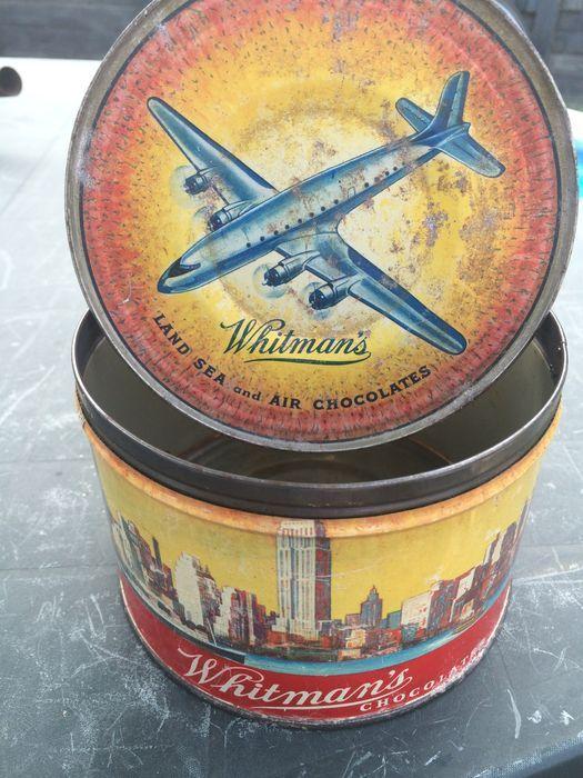 Online veilinghuis Catawiki: zeldzaam antiek Whitman's land sea and air chocolates wo II blik 1940