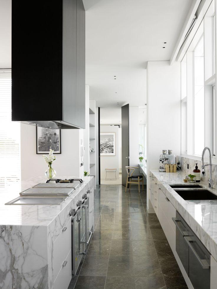 Penthouse Kitchen.  Bird de la Coeur Architects interiors: Hecker Phelan Guthrie Photo: Dianna Snape