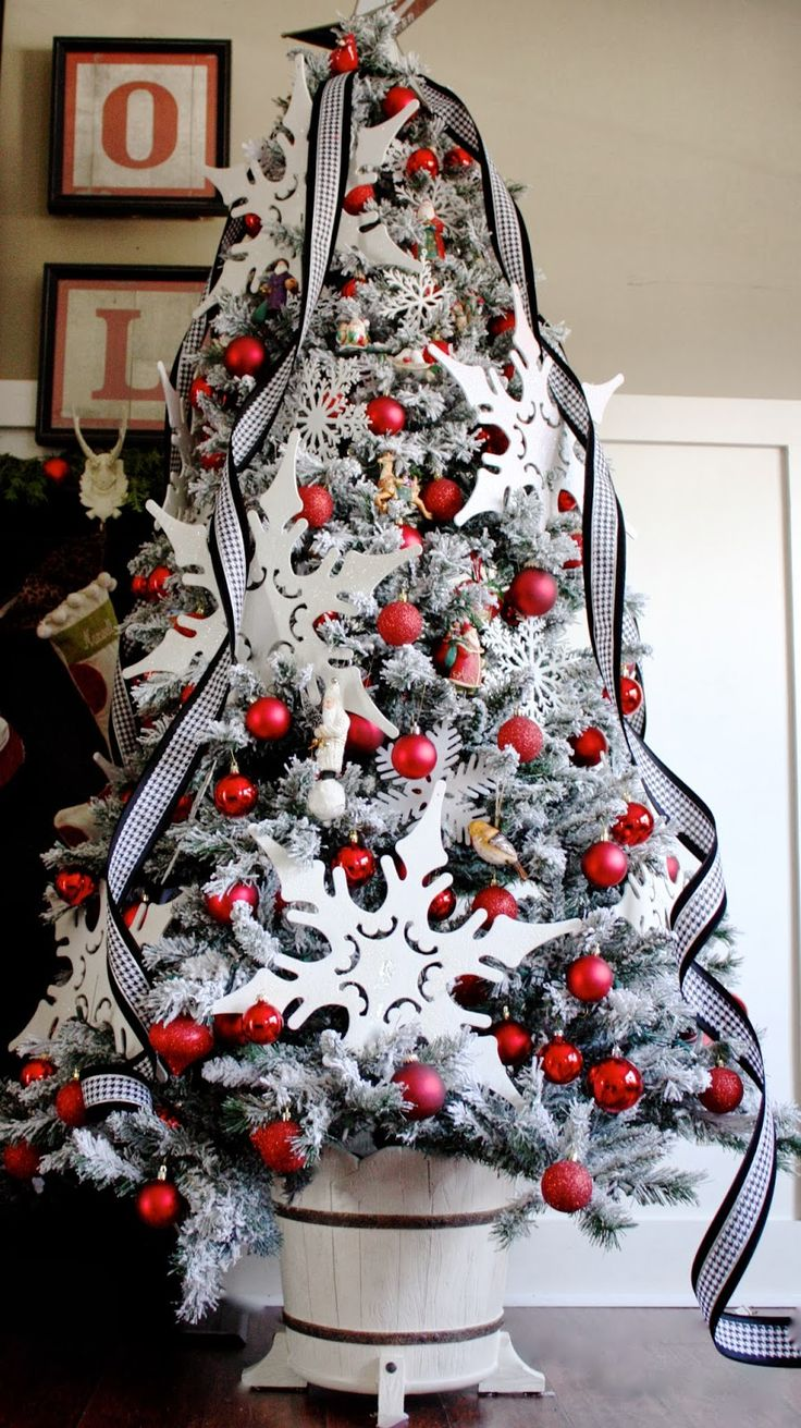 White christmas tree with black decorations black and white christmas -  Black And White Christmas Tree Decorating Ideas 13 Download