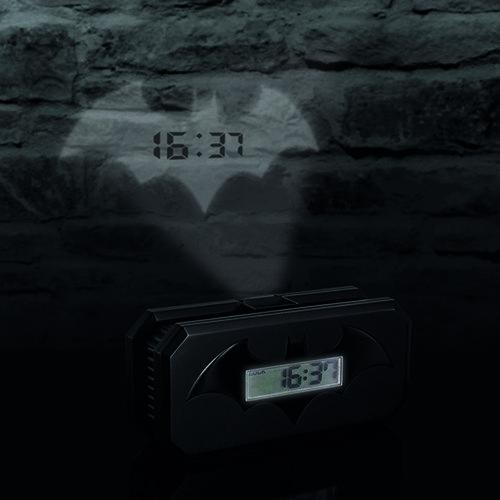 Raus aus dem Bat-Bett: #Batman Wecker mit Batsignal-Projektion