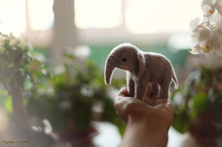 #слон #слонята #elephant #animal #amazing #toy #doll #handmade #handcrafted #felt #needlecraft #игрушка #игрушкаручнойработы #валяние #art #picture #photography #photo #canon #надеждамичеева