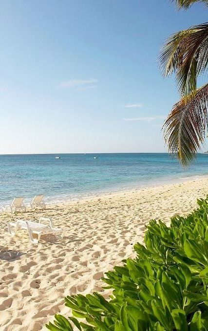 Stunning, unspoiled beaches of Grand Turk, Turks & Caicos