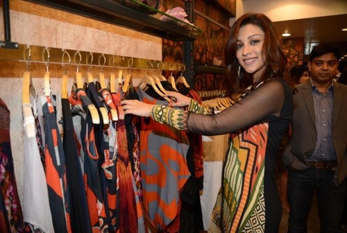 Evelyn Sharma, Amrita Puri dropped by to check out Ritu Kumar's Store