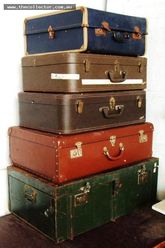 Lot 84 - Group lot - Vintage Trunks & Suitcases - old Leathertte GLOBITE, Large Green Metal, etc