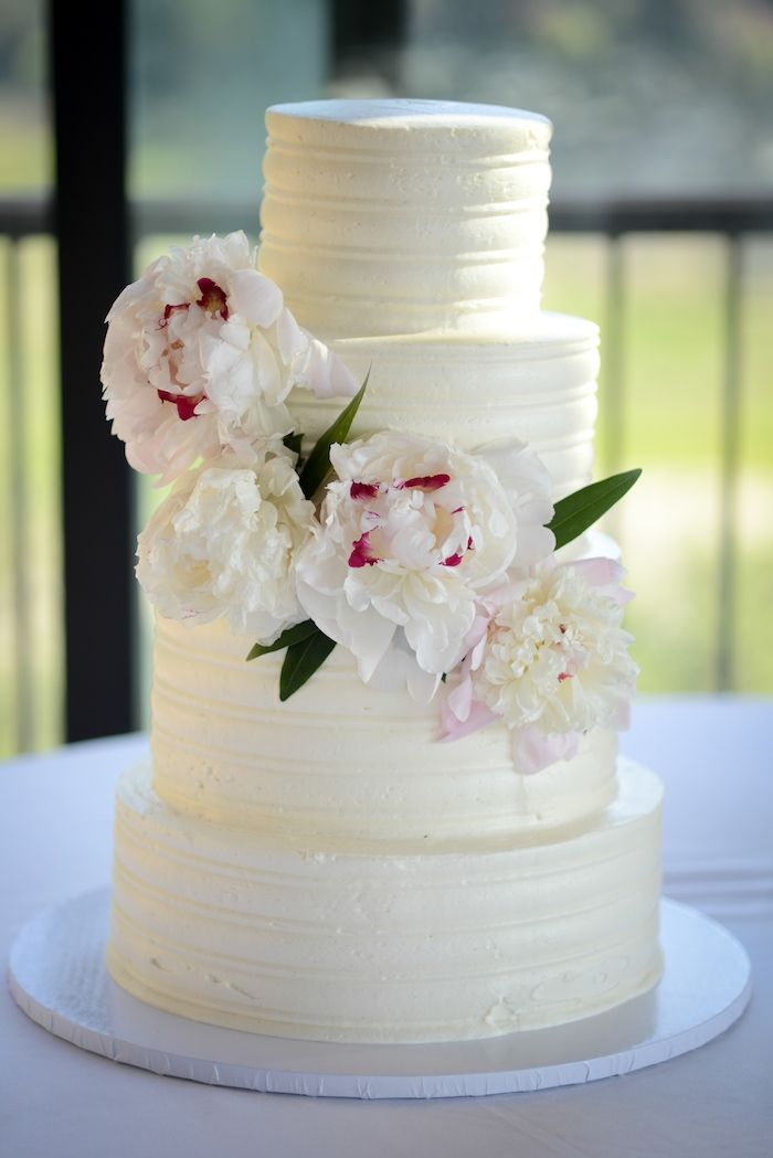 Rough Hollow, Austin, Texas Wedding // Captivating Wedding // White Peony Cake