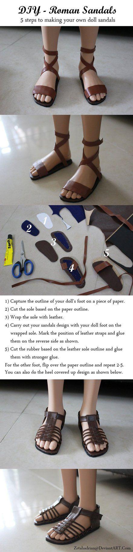 """Tuto pour réaliser des sandales simples type romaines ou pour """"frère Tuck"""". Je trouve le premier modèle simple et intéressant."""