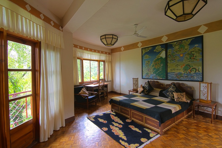 Sonam Yeshi, 2011,Norling Guesthouse,    Dragon room, www.norbulingkahotels.com