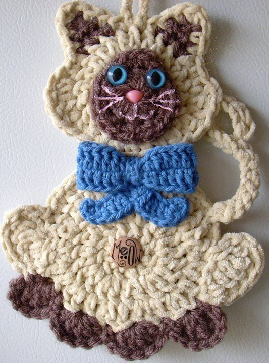 Crochet Siamese Cat, By Jerre Lollman - possibly an appliqué for sweatshirt?