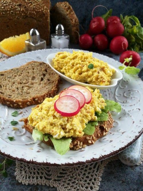 Pirított hagymás, túrós tojáspástétom recept