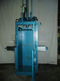 Wool press – the wool press is designed for the exporting and compacting of clothes.