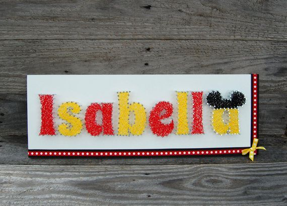 Mickey et Minnie Name String Art ~ Disney String Art ~ sticker personnalisé ~ personnalisé String Art ~ pépinière Decor signe ~ rétro