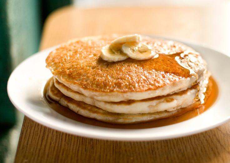 Faça panqueca de banana e aveia para o café da manhã