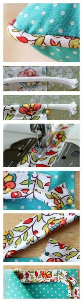 Fica aqui a explicação de como aplicar um cordão na beira de uma almofada. Para nos ajudar a costurar o cordão dentro do tecido escolhido, usamos o calcador                                                                                                                                                                                 Mais