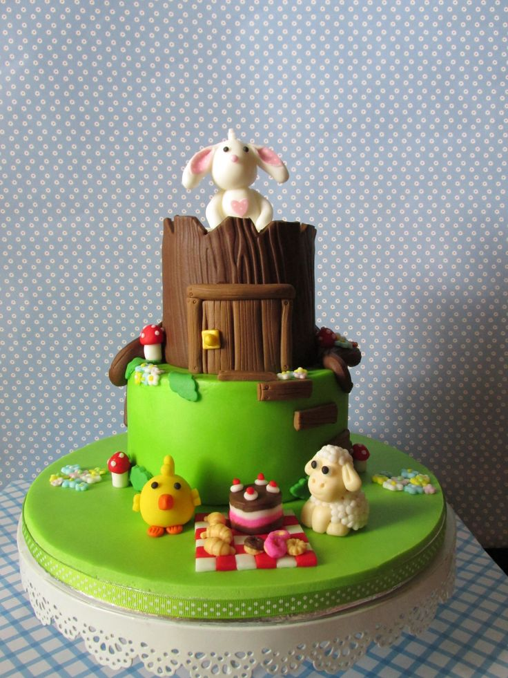 Easter Picnic - Cake for shop window display - exposto na loja Arte e Bolos, rua 5 de Outubro, Funchal