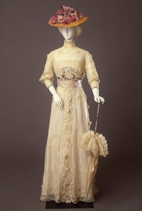 Day dress ca. 1910 From the Galleria del Costume di Palazzo Pitti...