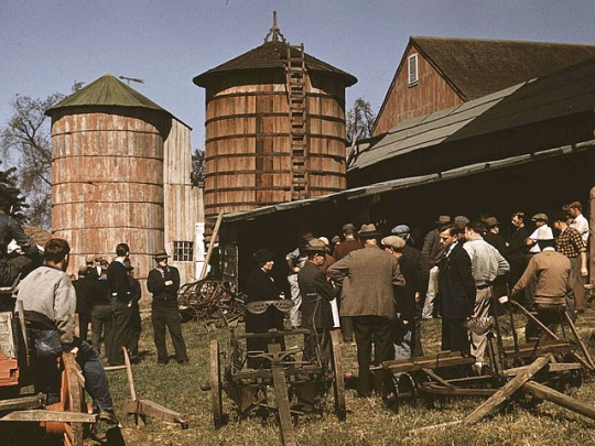 Sept. 1940 - Farm auction, Derby, Conn. Farmers and Amish still do farm auctions today. Very fun to attend and if you are looking for furniture and other things you can pick up some great bargains. For all you folks who attend these today give a big 'Yaah'!