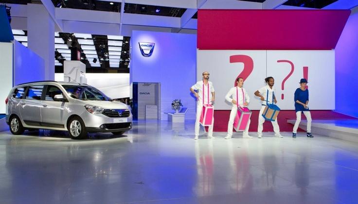 Lansarea noilor modele Dacia la Paris într-un spectacol superb!