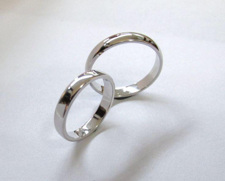 Hermosas argollas clásicas en oro blanco de 18k  fabricadas a mano   R544 #duranjoyerosbogota #joyeria #joyasbogota #hermosasjoyas #argollasdematrimonio #argollas #oro #hechoamano #matrimonio #novios #compracolombiano #Colombia #gold #handmade #jewelry #fabricaciondejoyas #renovamostujoyero #Fabricaciondejoyasenoroyplatino