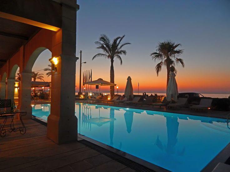 Вечер в отеле на побережье  моря. (Греция, Ретимно)