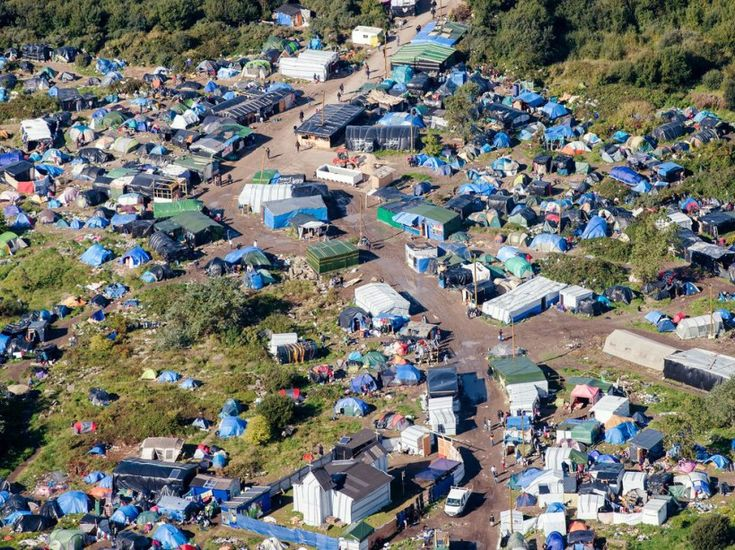 FOTO.  Calais: l'immenso 'vista' Nuovo Jungle 'del cielo