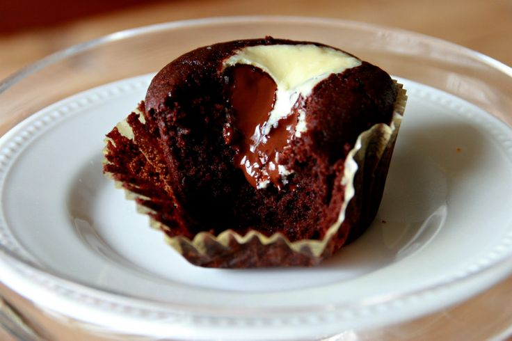 Chocolate-Cream Cheese Cupcakes