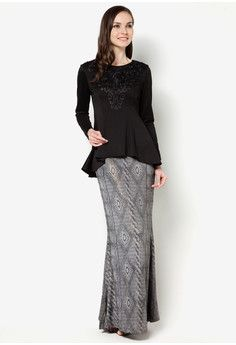 Kerimi Embroidered Chest With Rope Print Skirt