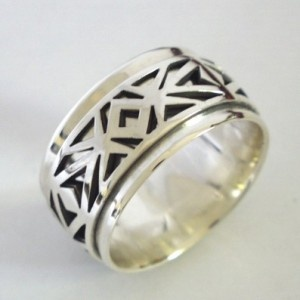 Men's African Wedding Ring #CleverFlowers