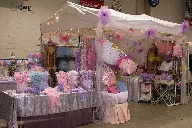 I would love to have a booth like this! craft+booth+displays | Princess booth display by kellysavard2009, via Flickr