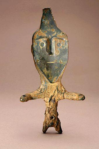 Western Iran,bronze statue, 500-1000 BCE. تندیس برنزی، غرب ایران، حدود ۱۰۰۰تا ۵۰۰ پیش از میلاد By Virtual Museum of Iran Art / موزه مجازی هنر ایران on facebook. IranologySociety.