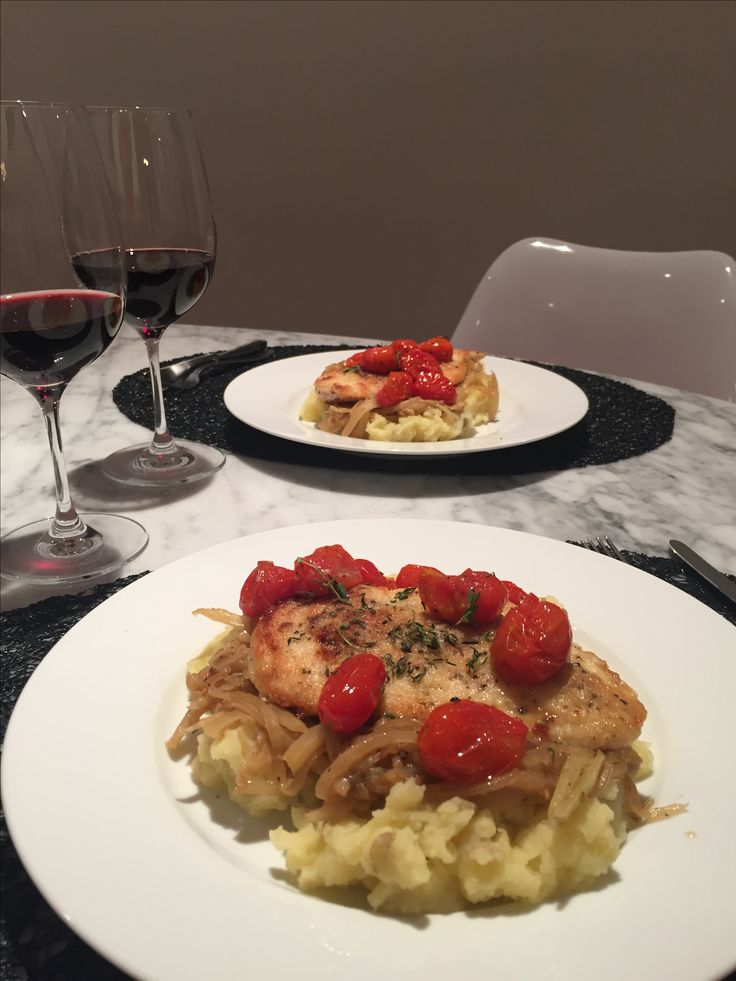 Seared Chicken & Caramelized Vegetables with Roasted  Cherry Tomatoes & Mashed Potatoes. Pollo Braseado con Vegetales Caramelizados, Tomates Cherry Rostizados y Pure de Papas.