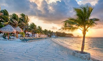 take me here @ Riviera-Maya-Hotels-Dorado-Seaside-Suites-By-Karisma-Gourmet-All-Inclusive.