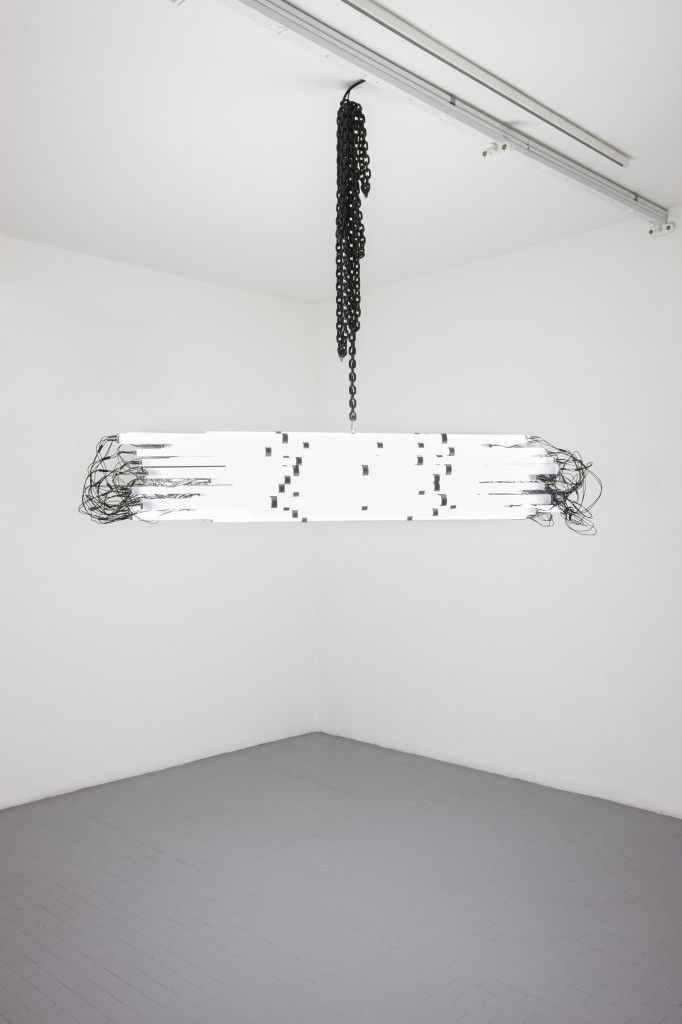 Monica Bonvicini, Blind Protection, 2009, PVC tube, fluorescent lights, electric cables, steel chain, 35x195x35 cm