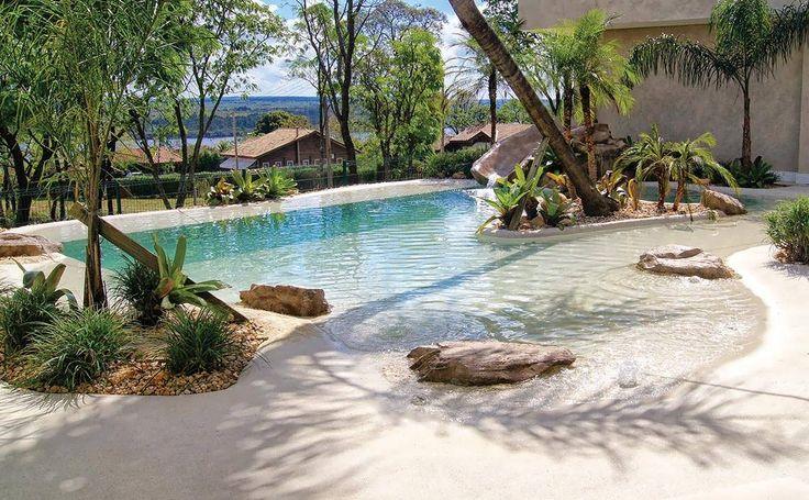 Resultado de imagem para piscina praia