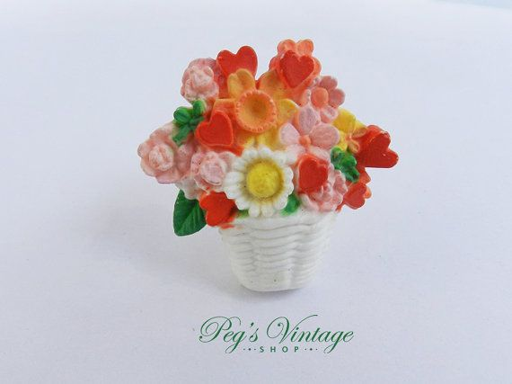 Vintage Flower Basket Brooch / Spring Hallmark Plastic Flower