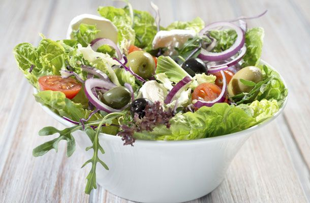 Laktató tavaszi saláta | femina.hu