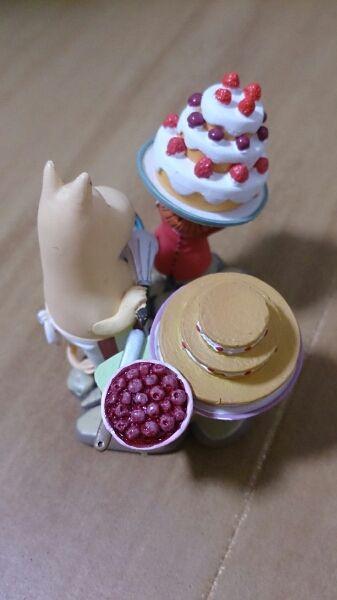 ★海洋堂ヴィネットフィギュアムーミンリトルミィケーキを運ぶ_画像3