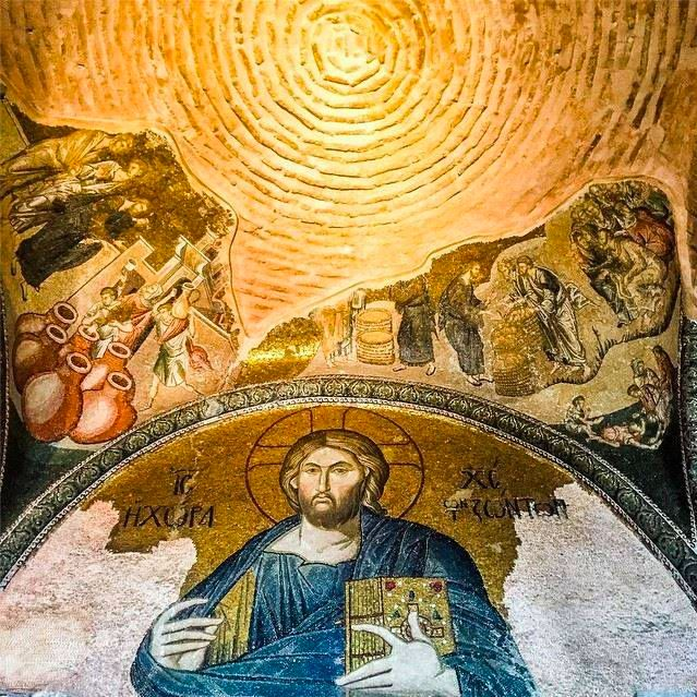 Originally built as a church, the Chora Museum offers an impressive collection of mosaics and frescos, portraying mainly the lives and miracles surrounding Jesus Christ and the Virgin Mary. This is truly one of the best museums in İstanbul!