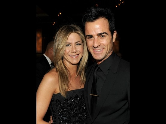 It's no surprise that Jennifer Aniston and her fiance Justin Theroux made our who's hot list. Justin Theroux Meets Jennifer Aniston's Dad