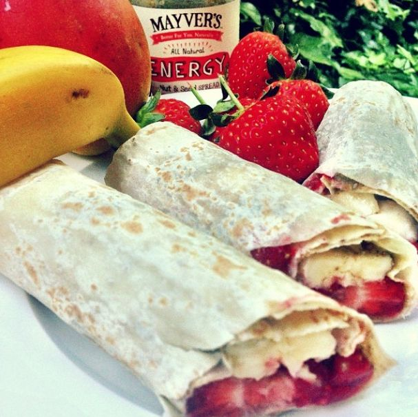Feeling like a beautiful summers day so we have made up some yummy fruit roll ups! Chia wraps with our Chia+ Energy Spread, bananas, strawberries and mango, awesome way to bounce into the day! #mayvers #purestate #sugarfree #cleaneating #chia #energy #breakfast #banana #strawberry #mango #soyummy