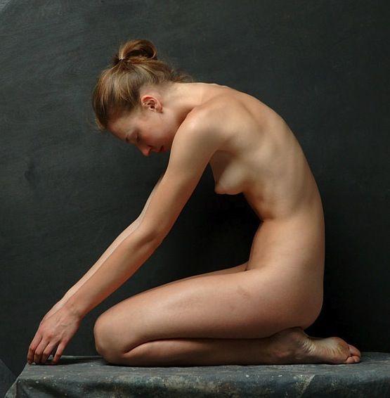 Drawing nude woman figure