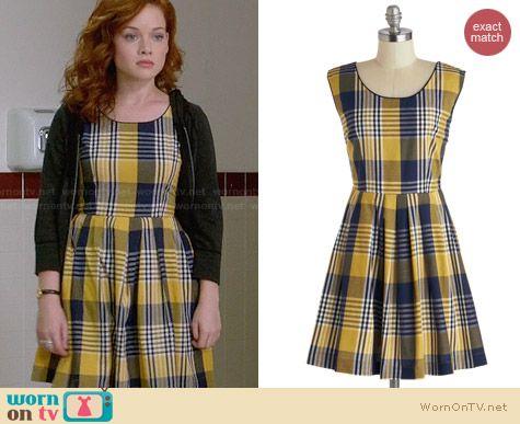 Tessa's yellow plaid dress on Suburgatory. Outfit Details: http://wornontv.net/28105 #Suburgatory #fashion