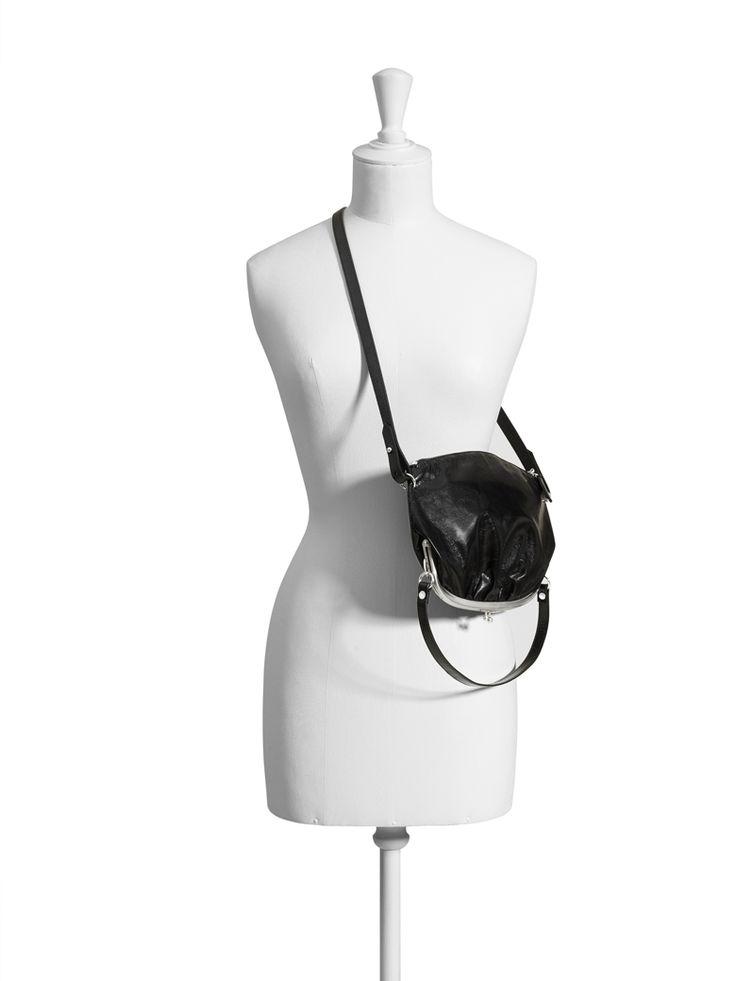 Le sac banane XXL - Les accessoires de la collection Maison Martin Margiela avec H&M - Grazia