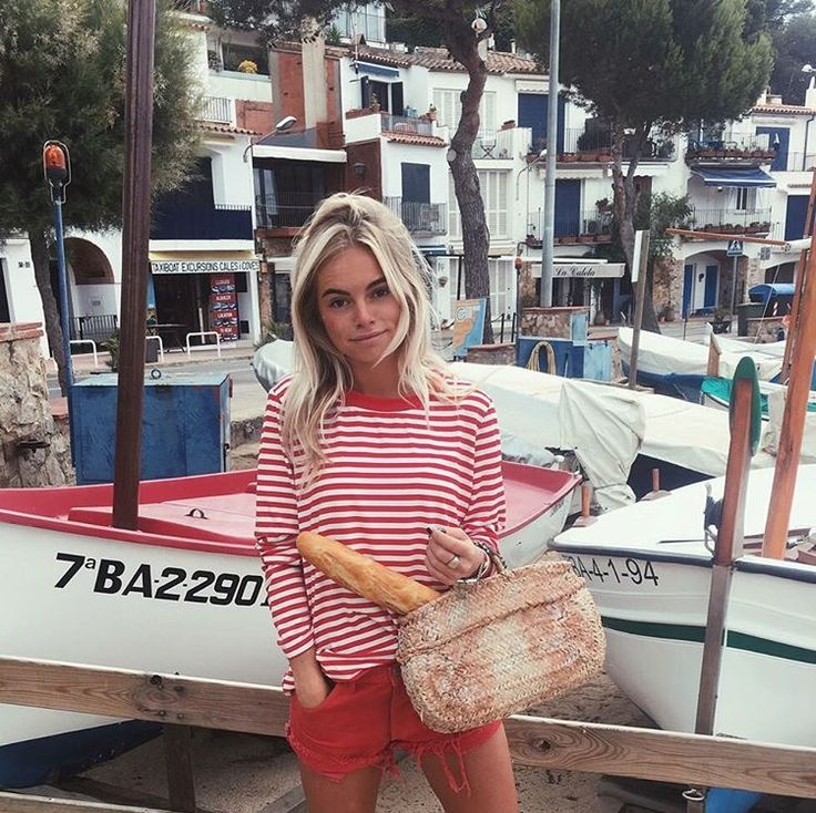 Claartje Rose, Dutch blogger, red striped shirt, red short, summer fashion