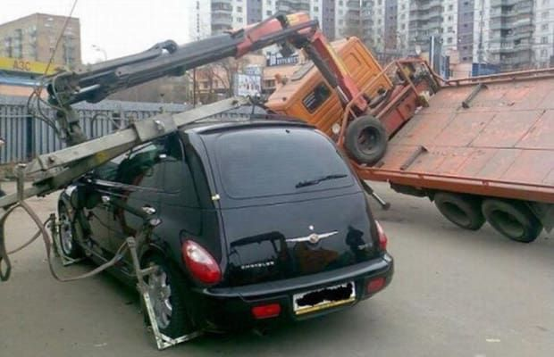 Out of the Air - 25 Incredibly Bizarre Car Accident Photos | Complex