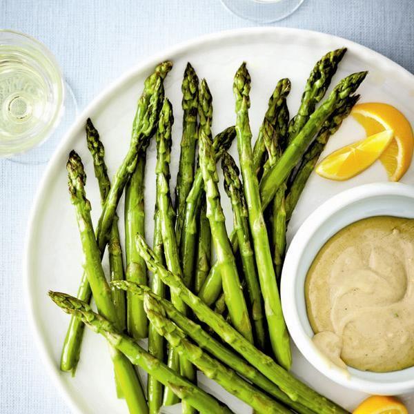 Asparagus with tahini dip