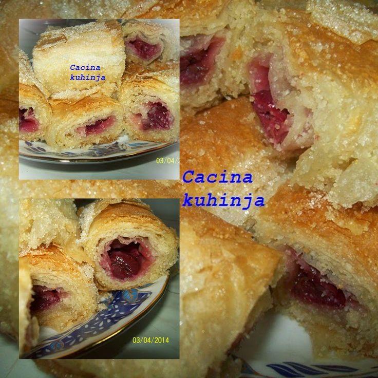 Cacina kuhinja: Posna pita sa visnjama i grizom