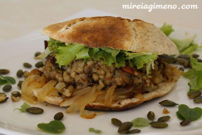 Almuerzo: hamburguesa de trigo sarraceno