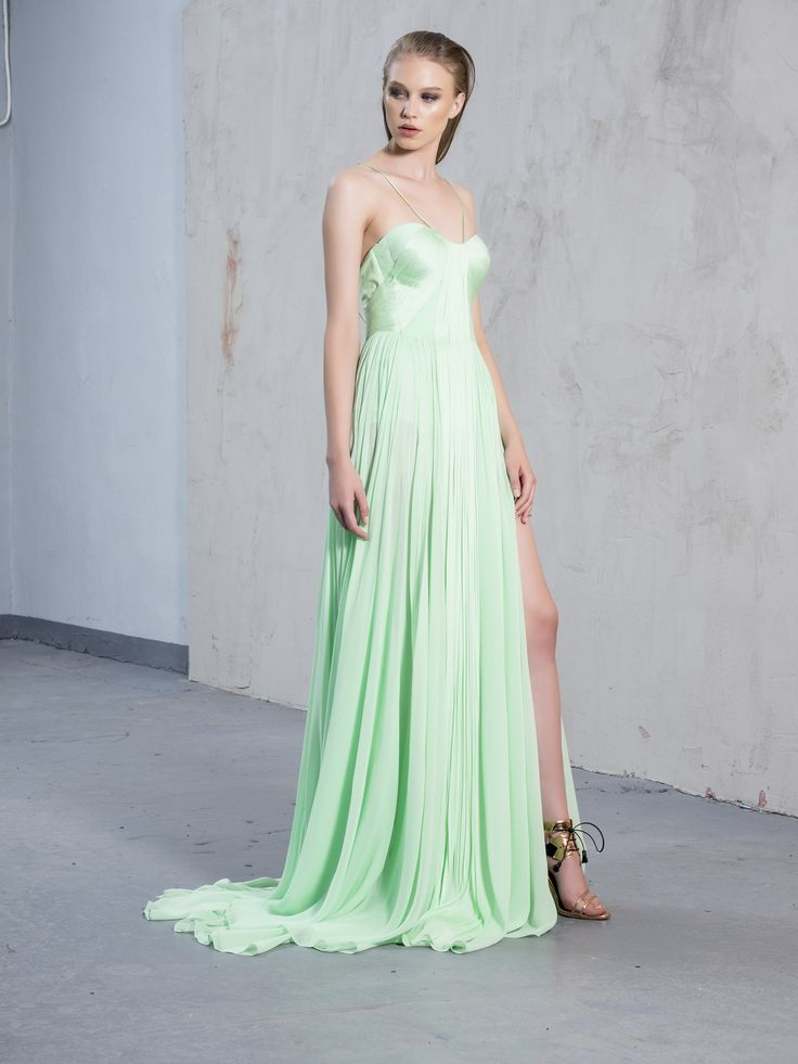 Biarritza Gown