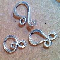 Make a hot handmade clasp with 16g wire.  #Wire #Jewelry #Tutorials