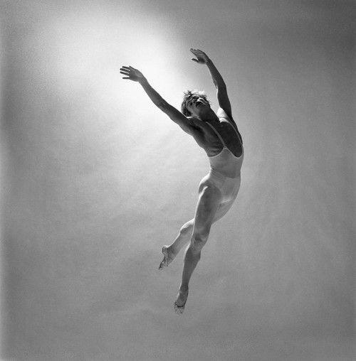Richard Avedon, Rudolf Nureyev, October 1, 1962, New York #dance #photography